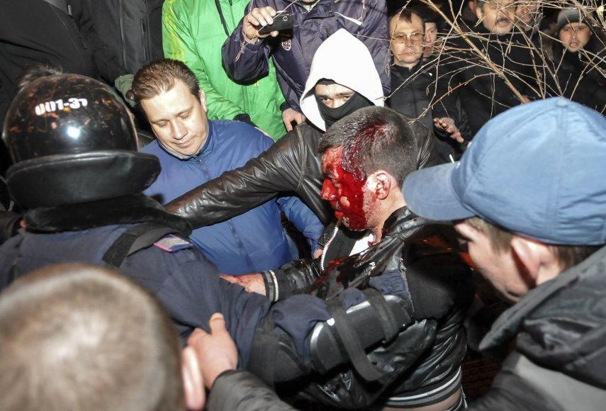 Donecke sužeistas protestuotojas