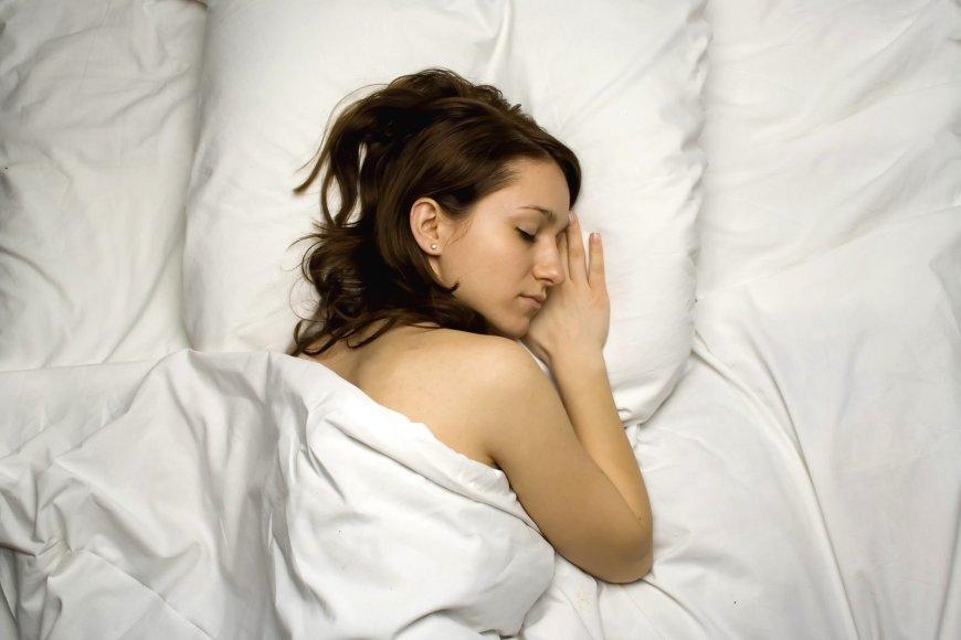 Kiek miegoti moterims?