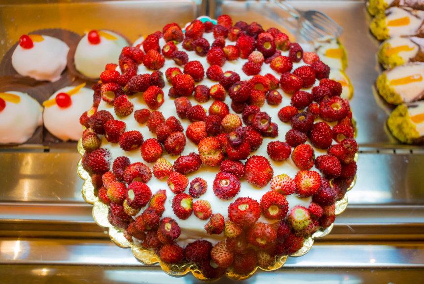 Tortas su žemuogėmis