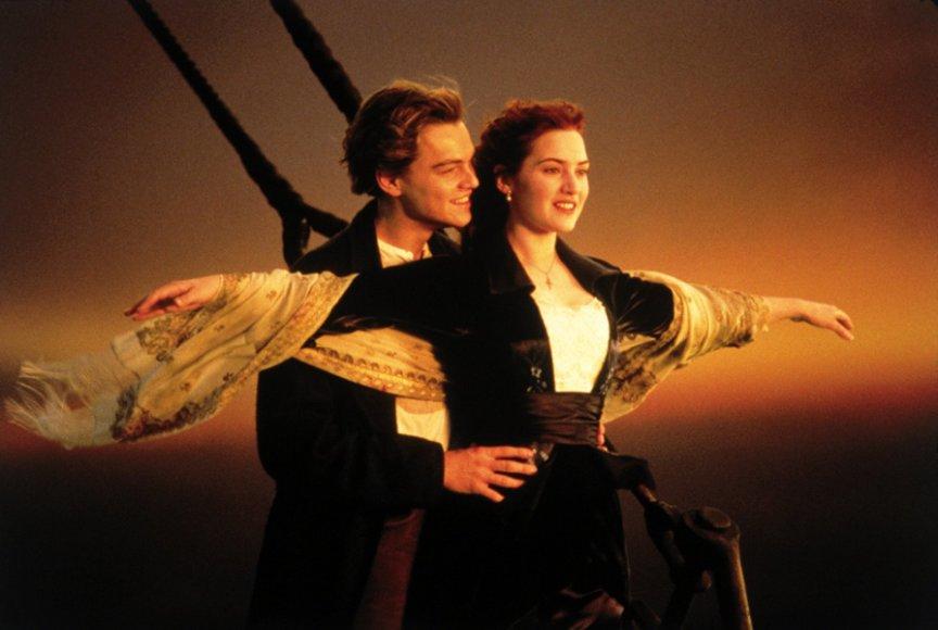 "Leonardo DiCaprio ir Kate Winslet filme ""Titanikas"" (1997 m.)"