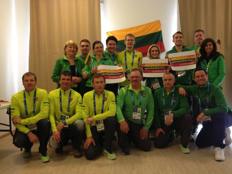 Lietuvos olimpinė delegecija Sočyje šventė valstybės atkūrimo dieną