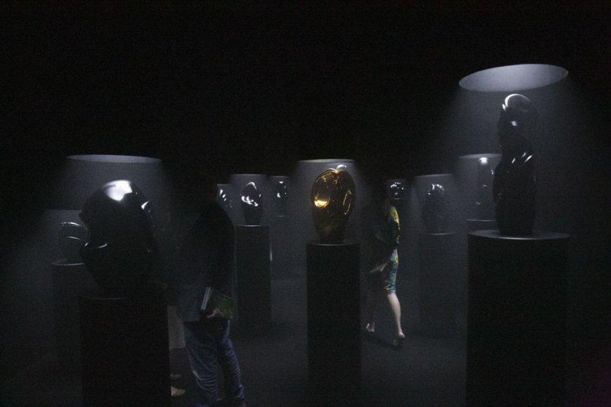 Dusetų dailės galerijos stendas meno mugėje ArtVil_nius'17.