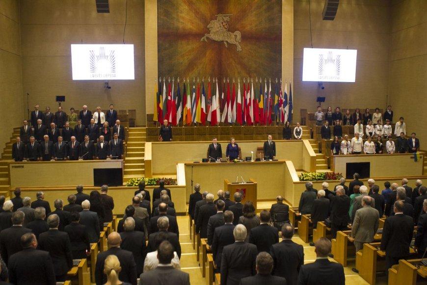 Iškilmingas Seimo posėdis.