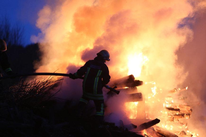 Vilniuje dega pabėgiai