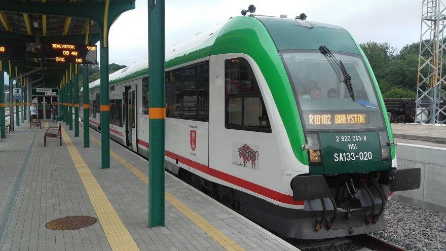 Traukinys Kaune, pasiruošęs vykti į Balstogę