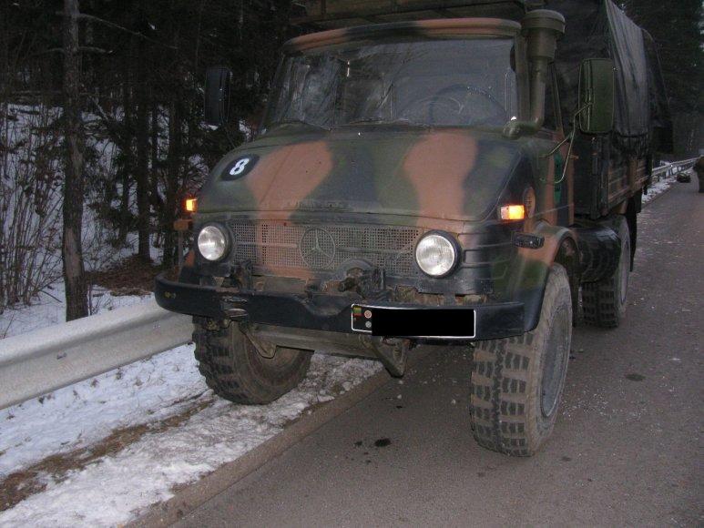 Lietuvos kariuomenės sunkvežimis