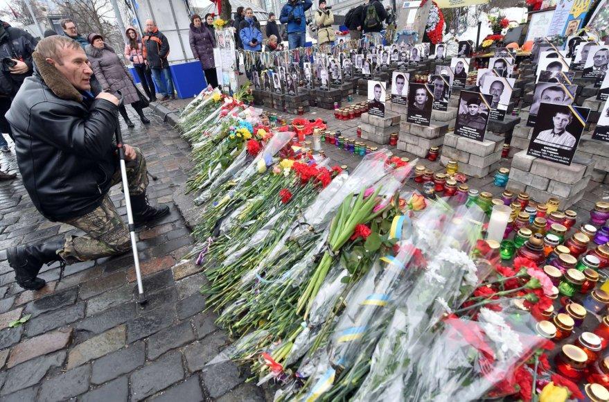 Kijeve minimos Maidano aukų žūties metinės