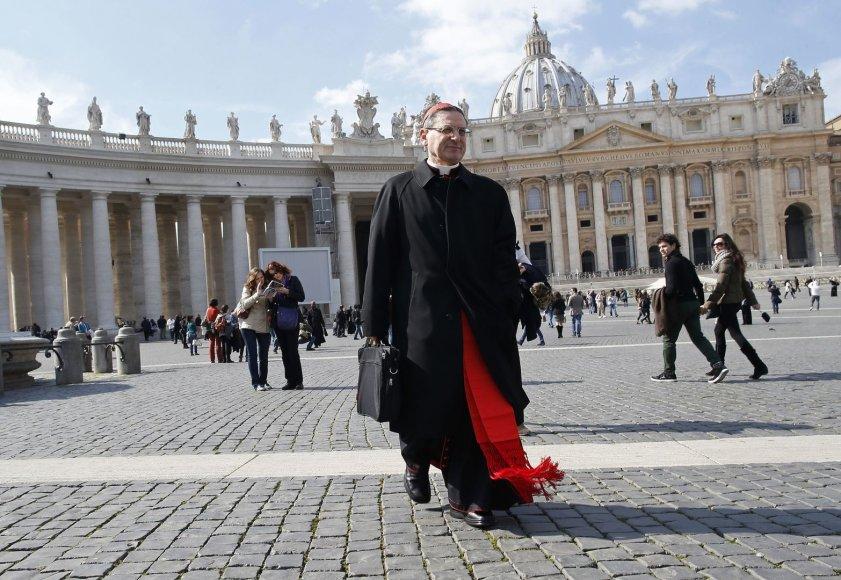 Kardinolas Angelo Amato