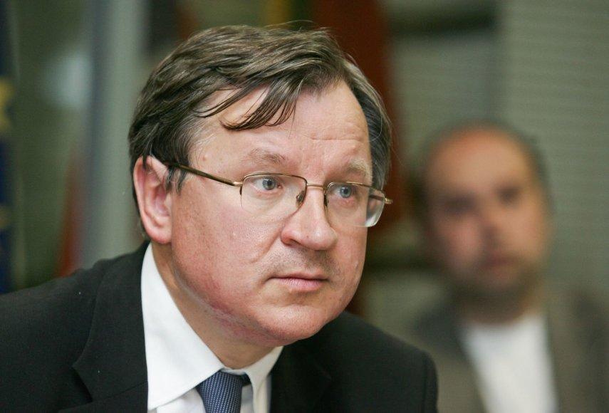 E.Vareikis.
