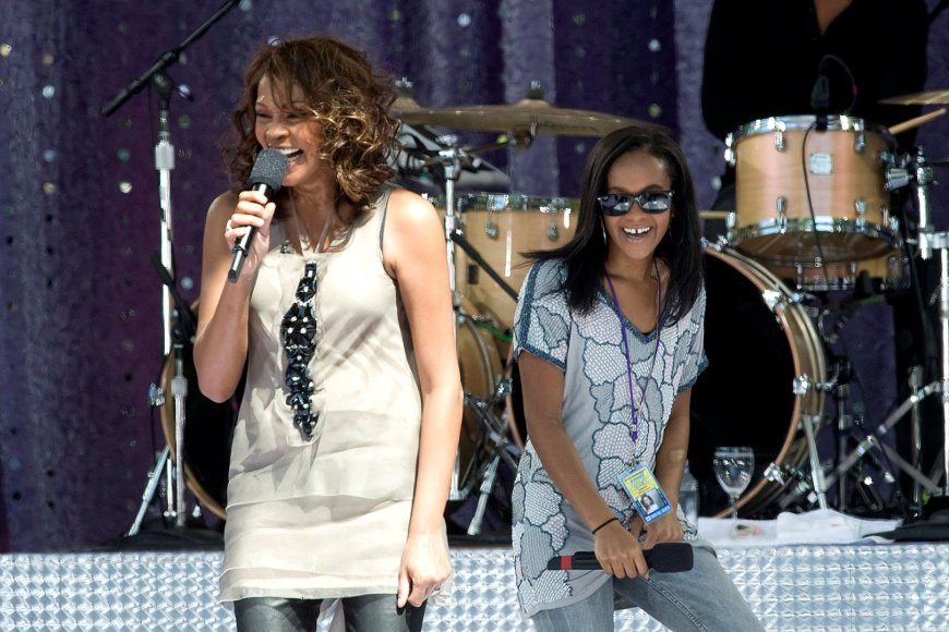 Whitney Houston su dukra Bobbi Kristina Brown (2009 m.)