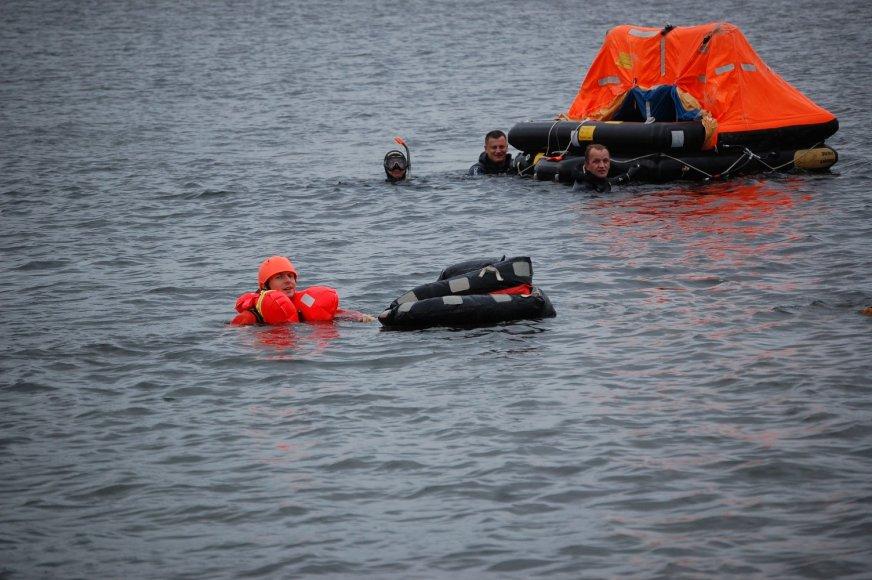 """Traptautinės išgyvenimo jūroje pratybos """"Baltic Bikini 2014""""."""