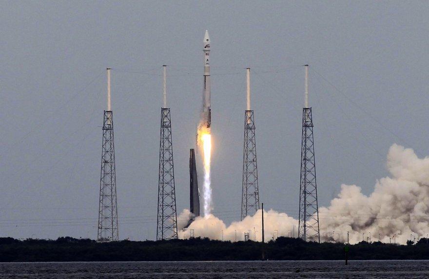 JAV erdvėlaivio į Marso orbitą paleidimo procedūra pradėta.