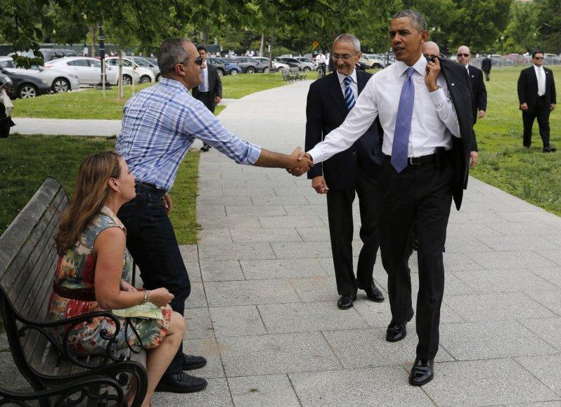 JAV prezidentas Barackas Obama Vašingtone sveikinasi su tursitais iš Izraelio