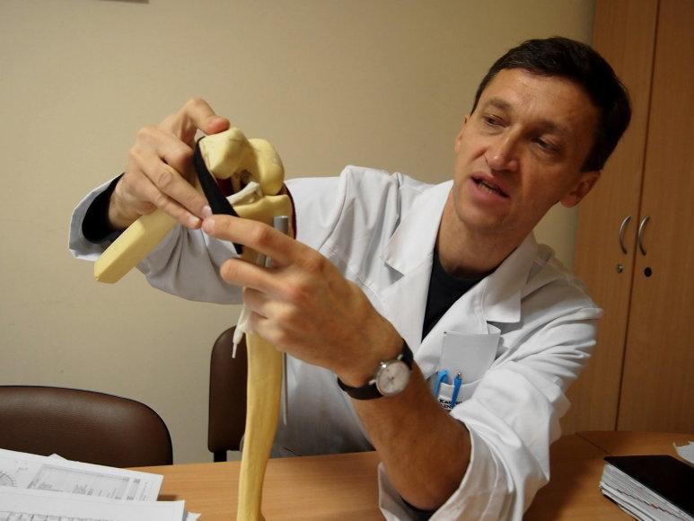 Profesorius Rimtautas Gudas pasakoja apie sąnario kremzlės operaciją