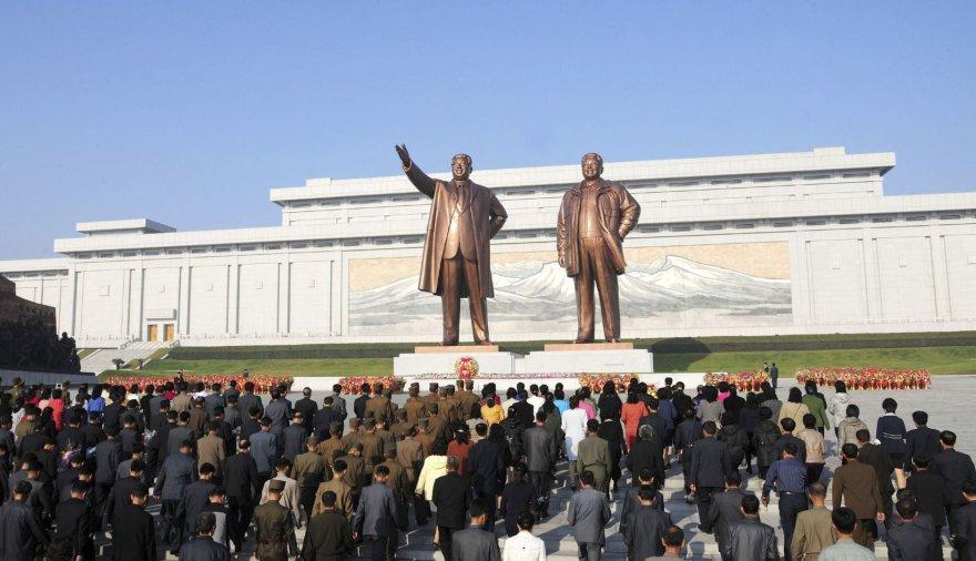 Paminklai komunistinės Šiaurės Korėjos vadams Pchenjane