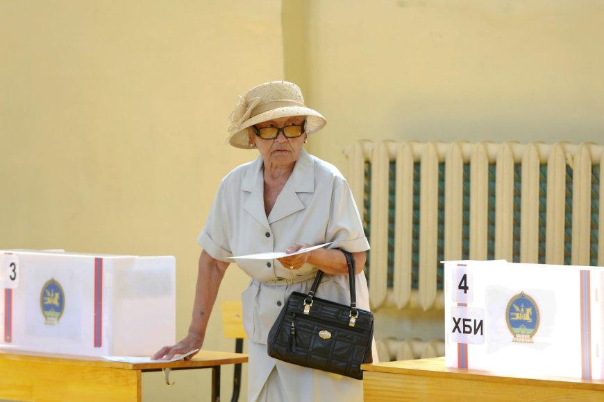 Mongolijoje balsuojama antrajame prezidento rinkimų ture