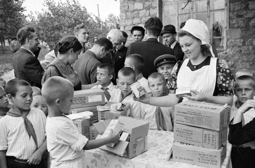 JAV sovietams per karą siuntė tūkstančius tonų maisto