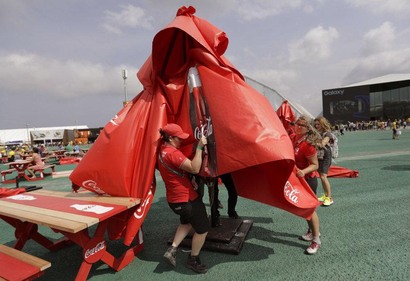 Vėjas Rio de Žaneire griauna planus