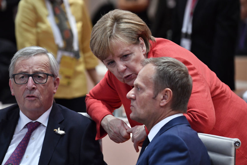 EK pirmininkas J.C.Junckeris, Vokietijos kanclerė A.Merkel ir Europos Vadovų Tarybos pirmininkas D.Tuskas