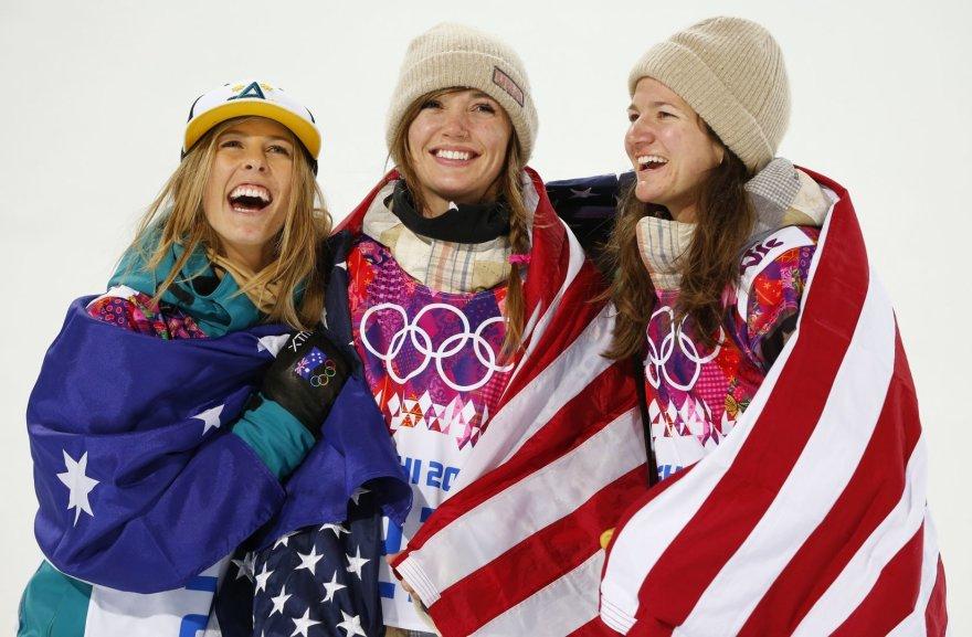 Iš kairės: Torah Bright, Kaitlyn Farrington ir Kelly Clark