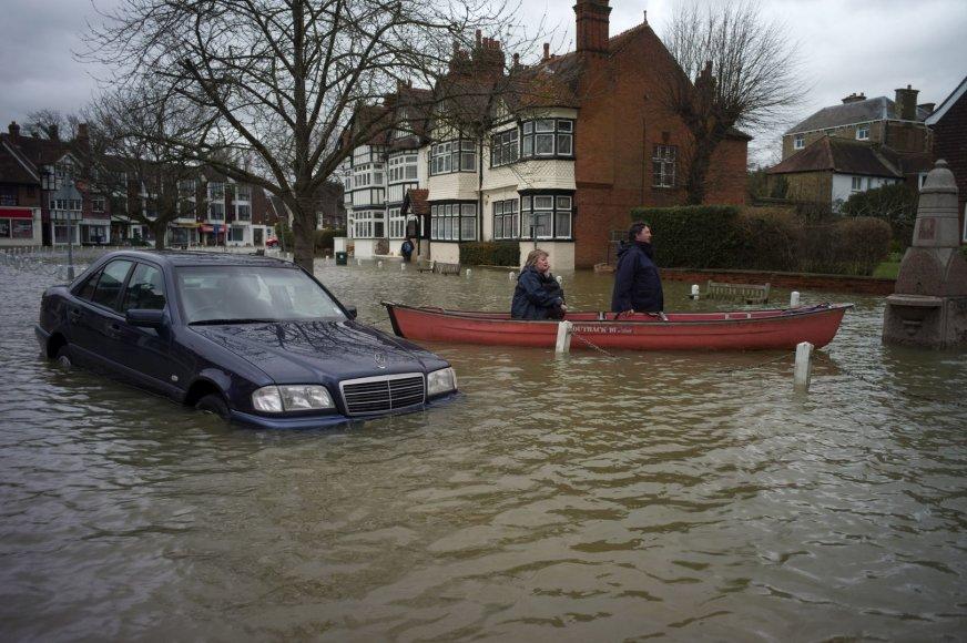 Potvynis Didžiojoje Britanijoje