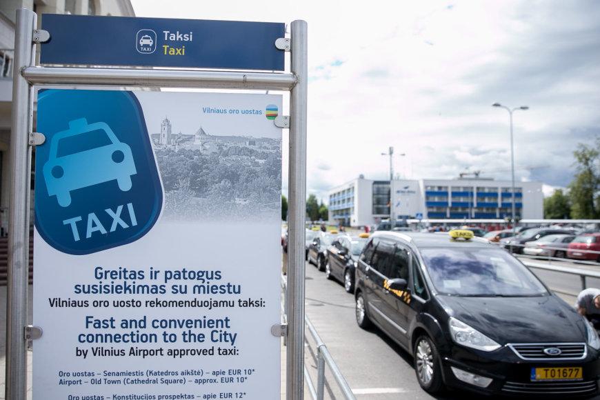 Spaudos konferencija dėl taksi aptarnavimo