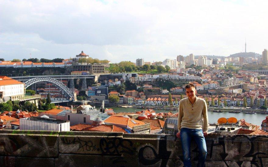 Už manęs – jau nebe Portas, tai priemiestis Vila Nova de Gaia