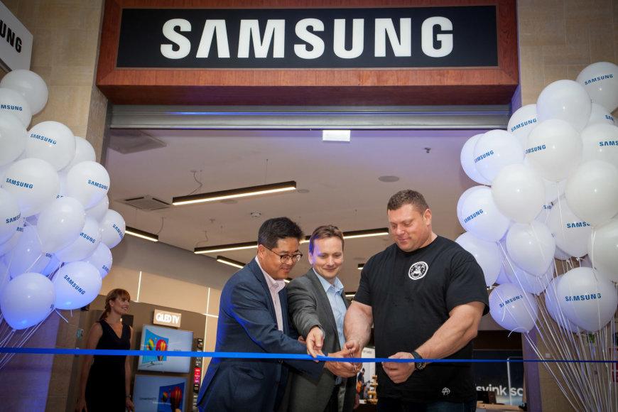 """""""Samsung"""" parduotuvės atidarymas"""