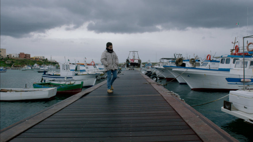 "Kadras iš filmo ""Liepsnojanti jūra"""