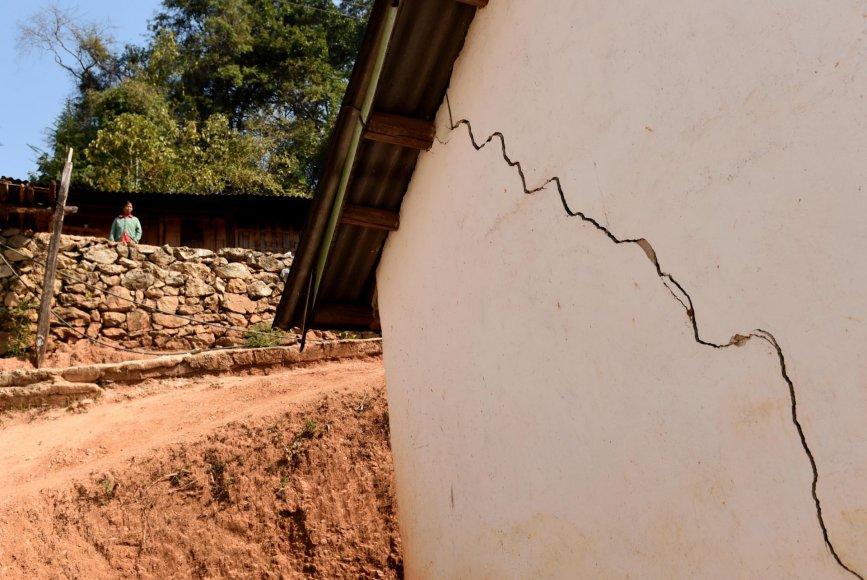 Žemės drebėjimo padariniai Kinijos pietvakariuose