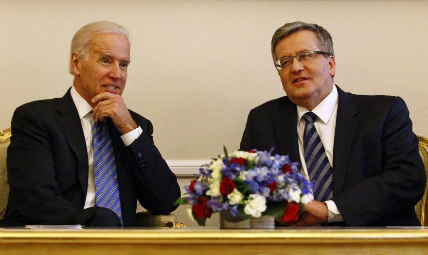 JAV viceprezidentas Joe Bidenas ir Lenkijos prezidentas Bronislavas Komorovskis