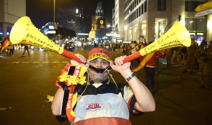 Berlyne futbolo sirgaliai šventė Vokietijos rinktinės pergalę pasaulio futbolo čempionate