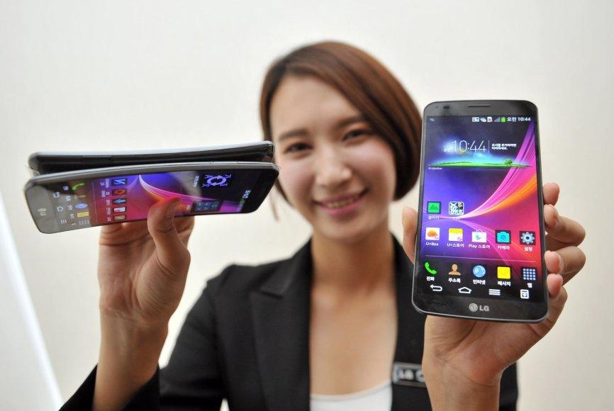 """LG """"G Flex"""" išmanieji telefonai"""