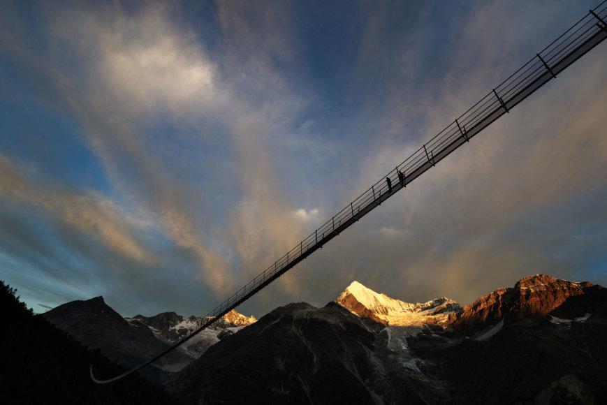 Kabantis tiltas Šveicarijoje