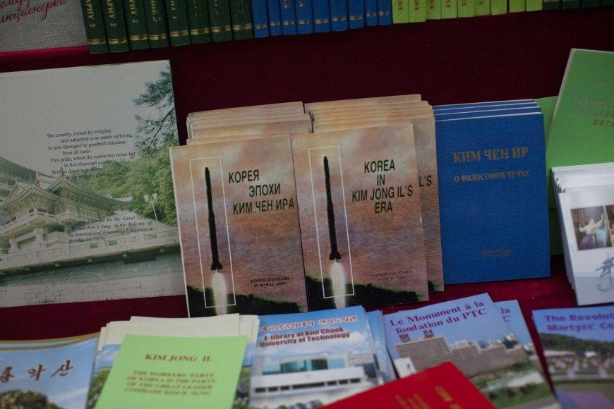 Knygos, parduodamos Šiaurės Korėjoje