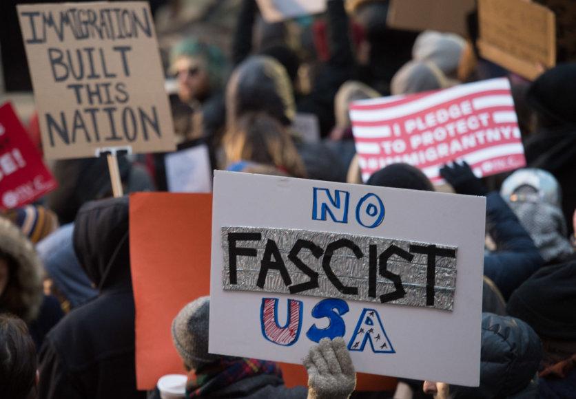 Protestas prie oro uosto Niujorke
