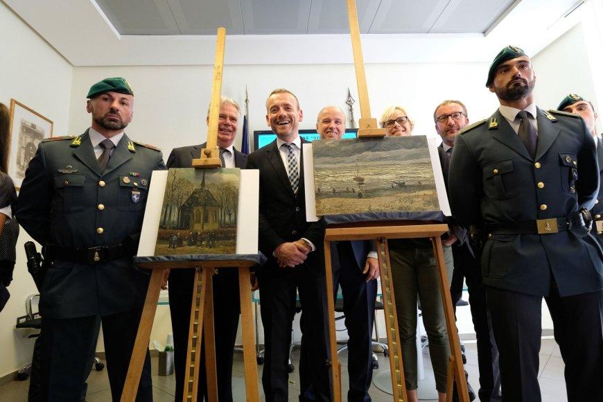 Italijos policija surado prieš beveik 15 metų pavogtus Van Gogho paveikslus