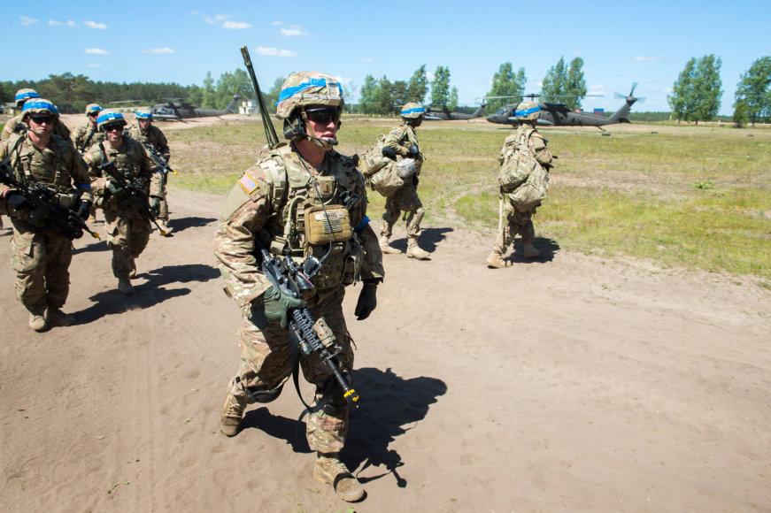 """Tarptautinių pratybų """"Kardo kirtis"""" karių treniruotė"""