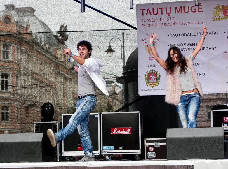 Taikos dienos šokis Vinco Kudirkos aikštėje