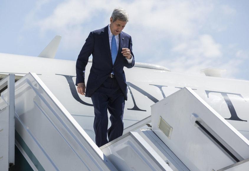 Johnas Kerry atvyko į Sočį