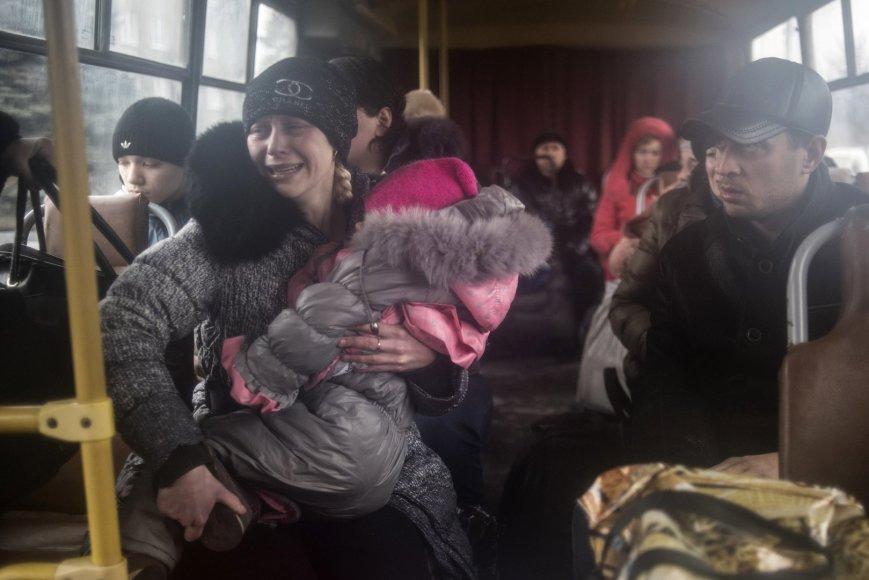 Iš Debalcevės miesto evakuojami žmonės