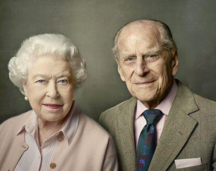 Karalienė Elizabeth II su vyru princu Philipu (2016 m.)
