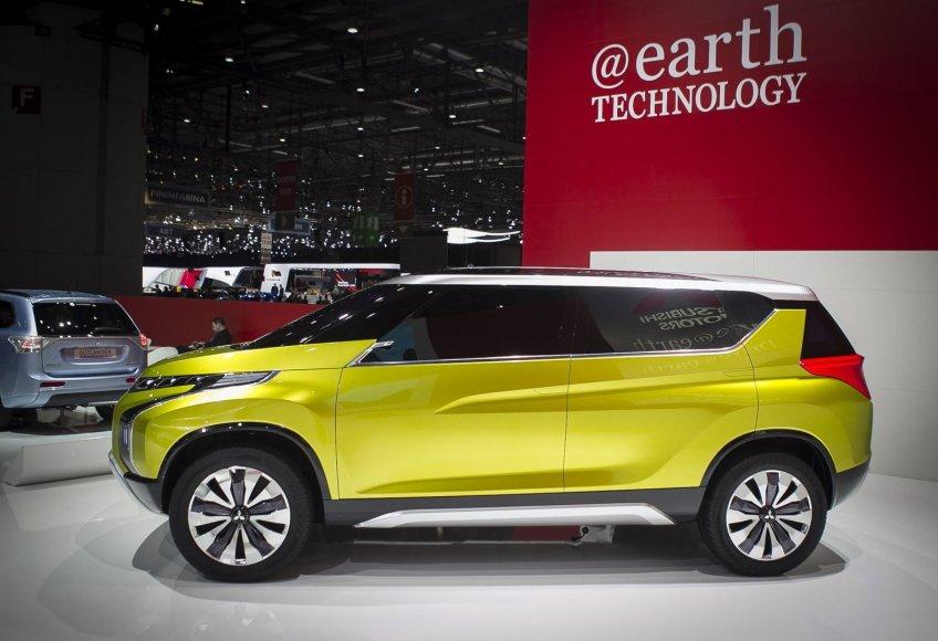 """Mitsubishi Concept AR"" Ženevos automobilių parodoje"