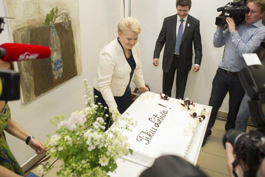 Dalia Grybauskaitė švenčia pergalę Prezidento rinkimuose.
