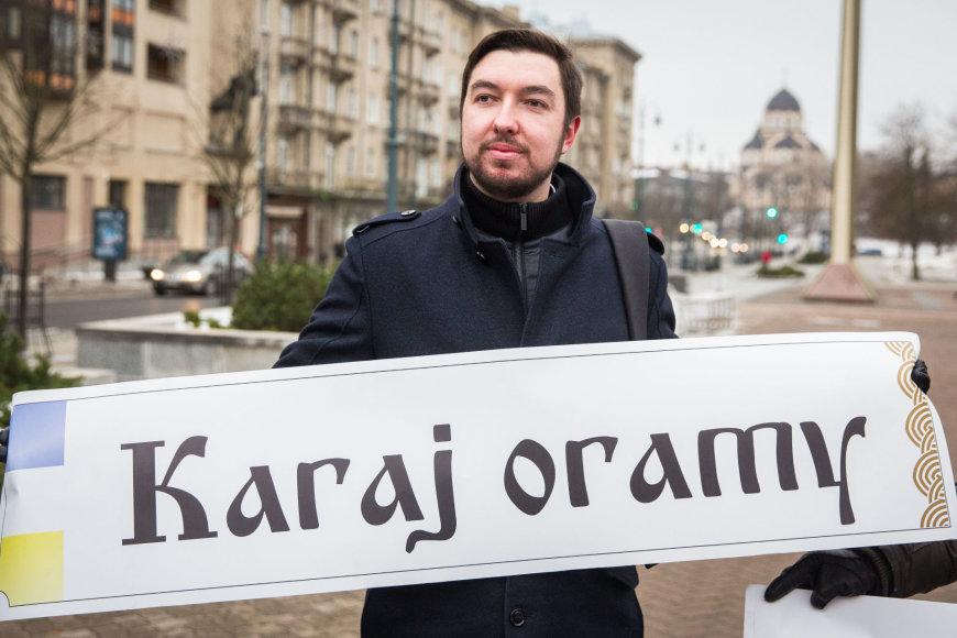 Piketas dėl gatvių atminimo lentelių užsienio kalbomis išsaugojimo