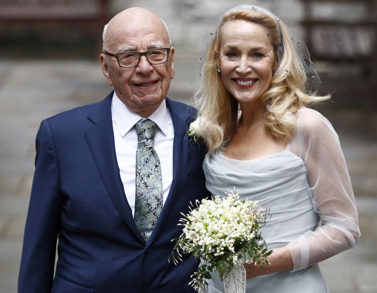 Scanpix ir Vida Press nuotr./Rupertas Murdochas ir Jerry Hall
