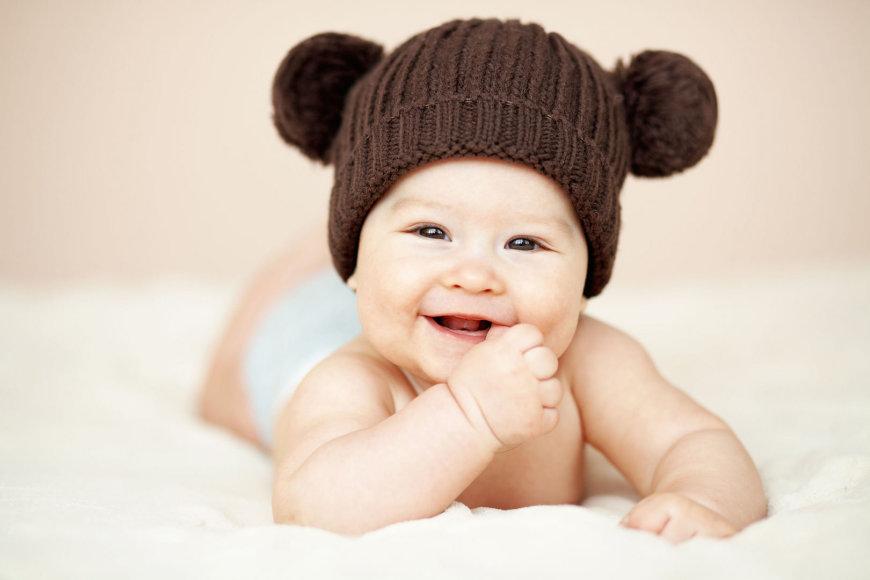 Vaikas su kepure