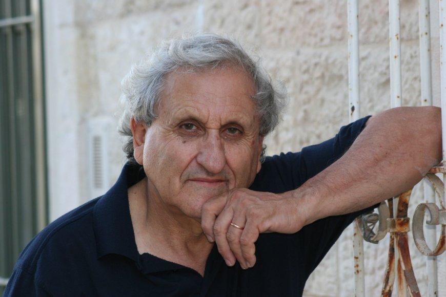 Abrahamas B.Yehoshua