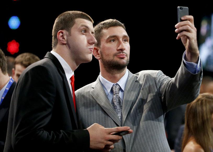 Vasilije Micičius (dešinėje) 2014-aisiais pateko į NBA