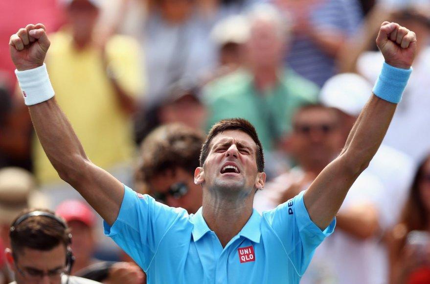 Novakas Džokovičius po mėnesio pertraukos sužaidė pirmą mačą